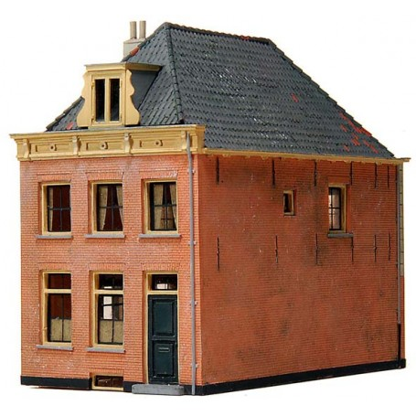 18th Century Shield Roof House Kit (HO) Artitec 10.167