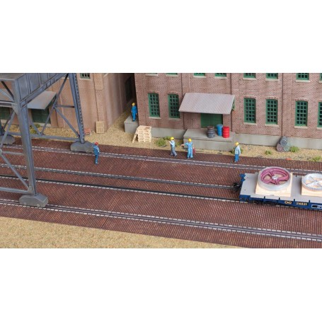 Walthers Cornerstone 4097 (HO) Brick Craneway Base and Street 3-Pack