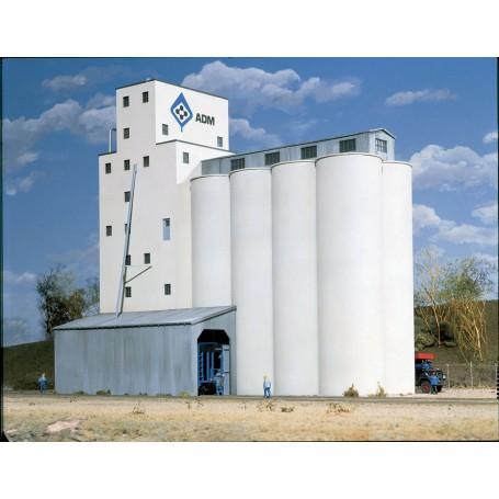 Walthers Cornerstone 3022 (HO) ADM(R) Concrete Grain Elevator -- Kit