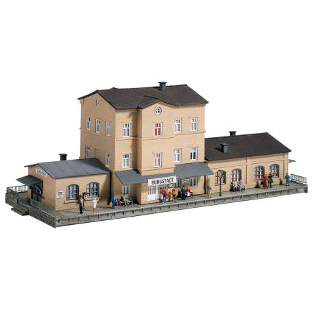 PIKO 60023 (N) Burgstadt Station, Building Kit